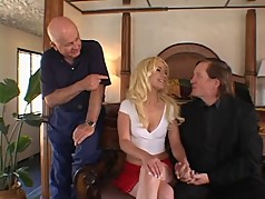 Hot blonde with nice ass gets her pussy licked from behind as her hubby watches
