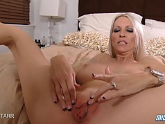 Hot Blonde Milf Emma Starr Gets A Creampie