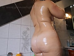 Milf curvy blonde with BIG ass takes a shower