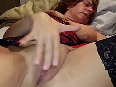 Pretty amateur GILF 2