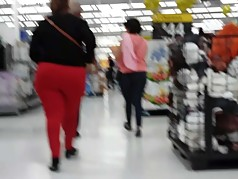 Candid big ass latina gilf.