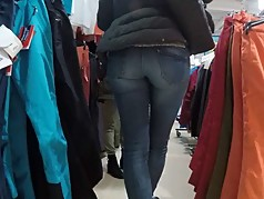 voyeur beautiful milf tight jeans