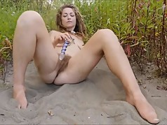 Busty Sonny toys her pussy