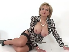 British MILF Wants To Taste Your Cum